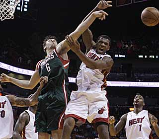 The Bucks' stout defense holds the Heat to just 26 second-half points. (AP)