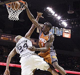 When will that poster be ready? Amar'e Stoudemire lights up Richard Jefferson in the second half.  (AP)
