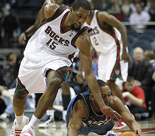 Scrappy John Salmons has helped the Bucks to a 7-1 mark since coming over from Chicago. (AP)