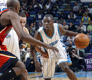 Darren Collison picks apart the Warriors for a career-high 20 assists.  (Getty Images)