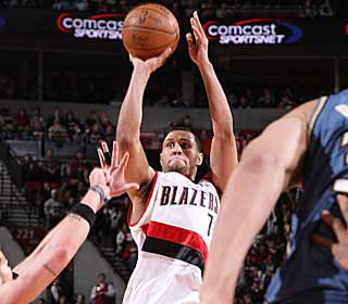 Brandon Roy, the West's reigning player of the week, comes through with the game winner. (Getty Images)