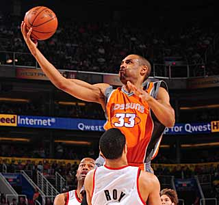 Grant Hill makes some big buckets down the stretch to ensure a win for the Suns. (Getty Images)