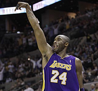 Kobe Bryant likes the look of one of his two back-breaking 3-pointers in the fourth quarter.  (AP)