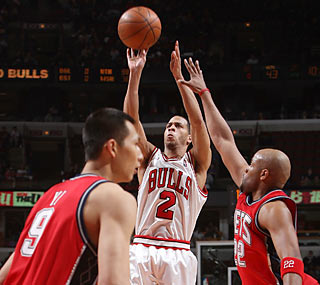 Jannero Pargo scores a season-high 27 points -- his first double-digit effort since March 16. (Getty Images)