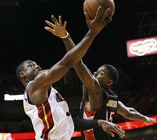 Dwyane Wade scores 32 points to lead the Heat's biggest comeback of the season.  (AP)