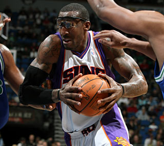 The T-Wolves have no answer for Amar'e Stoudemire, who collects 30 points and 17 rebounds.  (Getty Images)