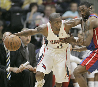 Jamal Crawford scores a game-high 29 points to help push the Pistons to their 11th straight loss.  (AP)