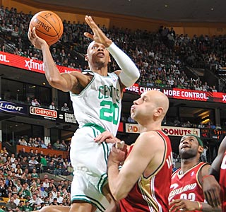Ray Allen has an outstanding shooting day -- 10 of 17 from the field and 6 of 9 on 3-pointers.  (Getty Images)