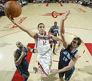 Kevin Martin exploits the worn-down Jazz as the Rockets cruise to victory. (Getty Images)