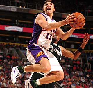 The Suns handle the Spurs so easily, Steve Nash isn't even needed in the fourth quarter.  (Getty Images)