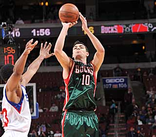Carlos Delfino leads the Bucks with 23 points as they continue to fight for fifth in the East. (Getty Images)