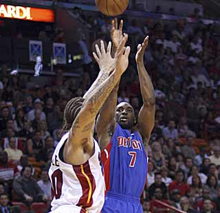 The Pistons' Ben Gordon seals the Heat's fate with a jumper in the closing minute. (AP)