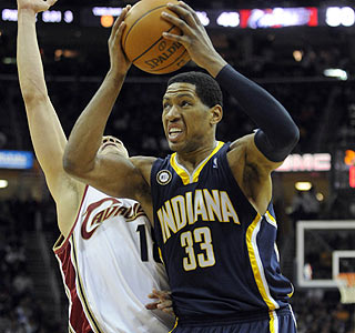 Danny Granger fights through the Cavs defense for two of his 36 points on the night.  (US Presswire)