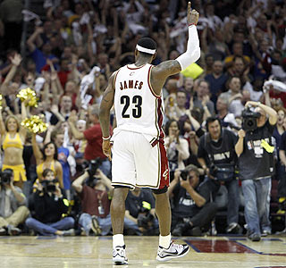 LeBron James ends the Game 1 victory with 35 points, seven rebounds and seven assists.  (Getty Images)