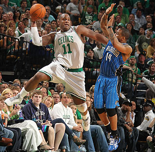 Glen Davis provides 17 points off the bench and saves this possession with some nifty hustle.  (Getty Images)