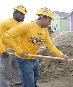 Anthony Zehyoue (left) contributed to LSU's efforts in rebuilding New Orleans after Hurricane Katrina. (AP)