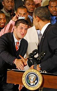 Meeting the president: Just another day at the office for Tebow. (Getty Images)