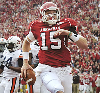 Ryan Mallett throws for 274 yards and two touchdowns and adds a 4-yard scoring run for Arkansas.  (AP)