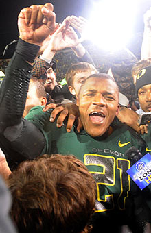 LaMichael James (183 yards rushing, one TD) and Oregon score a huge victory at home. (Getty Images)