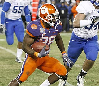 C.J. Spiller puts up 172 all-purpose yards as Clemson holds off Kentucky in the Music City Bowl.  (AP)