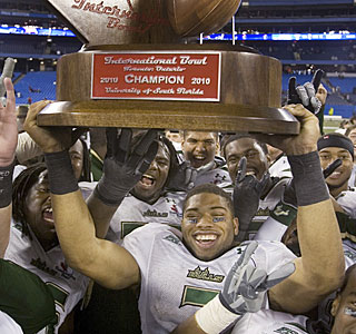 B.J. Daniels and the Bulls can celebrate South Florida's second consecutive bowl victory.