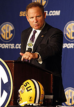 Les Miles has enjoyed success during his LSU tenure but he finds himself on the hot seat. (AP)