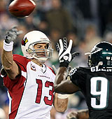 Kurt Warner gets another chance against the Philly D. (Getty Images)
