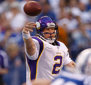 Sage Rosenfels (10 of 13, 91 yards) seems to be in control of the Vikings' QB battle.