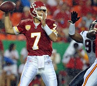 Matt Cassel, Kansas City's new quarterback, plays sparingly in the preseason opener.  (US Presswire)