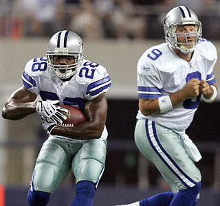 Felix Jones (64 total yards, one touchdown) and Tony Romo (18 of 24, 192 yards) look sharp in the win.