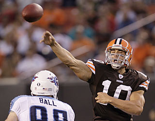 Brady Quinn possibly muscles his way ahead in the QB competition with the team's only touchdown toss.   (AP)