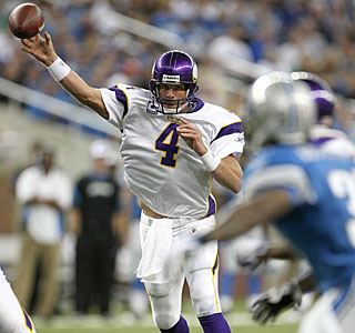 Brett Favre (two TD tosses) surpasses former Vikings lineman Jim Marshall's iron-man streak.