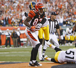 Andre Caldwell hauls in the game-winning catch to give the Bengals the lead with seconds left in the game.