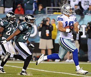 Miles Austin races away from the Eagles defense for what proves to be the winning touchdown.