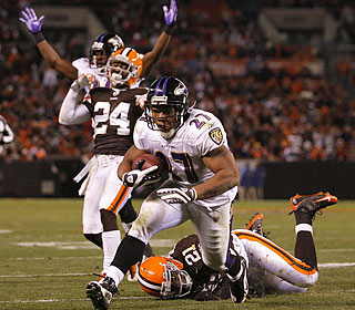 Ray Rice scores the only offensive touchdown on a 13-yard run in the third quarter.  (Getty Images)