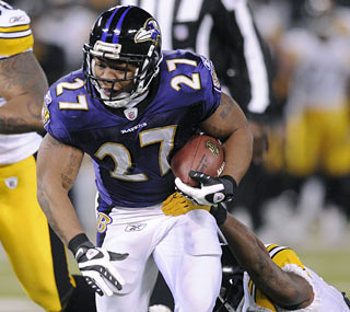 The Ravens get a much-needed boost from RB Ray Rice, who finishes with 155 total yards (88 rushing, 67 receiving).