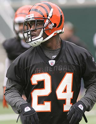 Pacman Jones will try to make a Bengals roster that has 18 defensive backs. (AP)