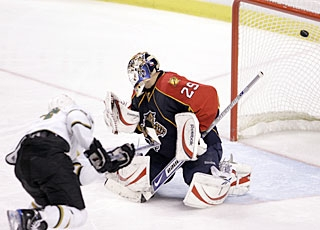 Mike Ribeiro goes high over Tomas Vokoun's glove side for the second of his three goals. (AP)
