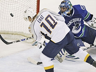 Martin Erat catches Roberto Luongo out of position to score his 12th goal.  (AP)