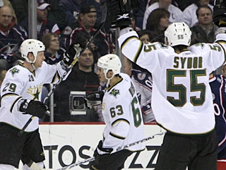 Steve Ott (29) has scored a goal for the Stars in three successive games. (AP)