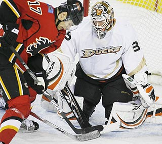 Ducks goalie Jean-Sebastian Giguere stops 26 shots and earns his first victory since January 11th.  (AP)
