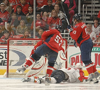 Mike Green (52) sets a Capitals record for longest goal streak by a defenseman. (Getty Images)