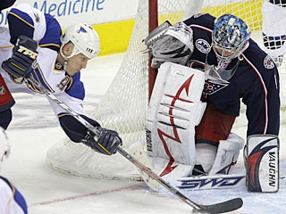 Steve Mason stops 21 shots and once again makes the difference for the Blue Jackets. (AP)