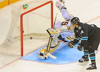 Jonathan Cheechoo has no regulation goal in 13 games, but has been effective in extra time. (US Presswire)