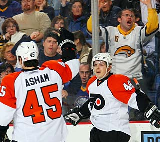 Back in Buffalo, former Sabre Daniel Briere enjoys one of his best games in six months.  (Getty Images)