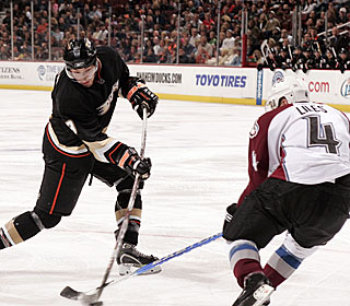 Bobby Ryan nets his 25th and 26th goals of the season against the slumping Avalanche.  (Getty Images)