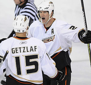 Chris Pronger, who scores a goal, and the Ducks have won seven of their past eight games.  (AP)