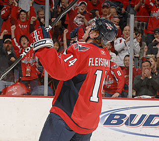 The Capitals' Tomas Fleischmann notches his first multipoint game in almost two months.  (Getty Images)