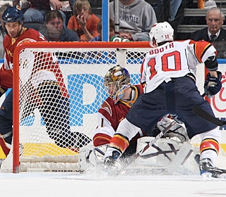 David Booth scores his team-high 29th goal, but it's still not enough for the Panthers.  (Getty Images)