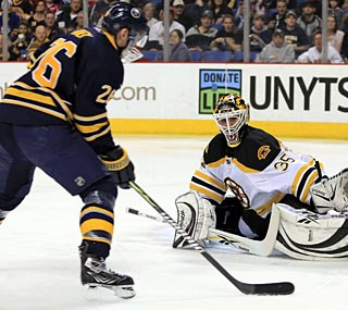 Thomas Vanek scores twice as the Sabres abuse Bruins backup goalie Manny Fernandez.  (US Presswire)